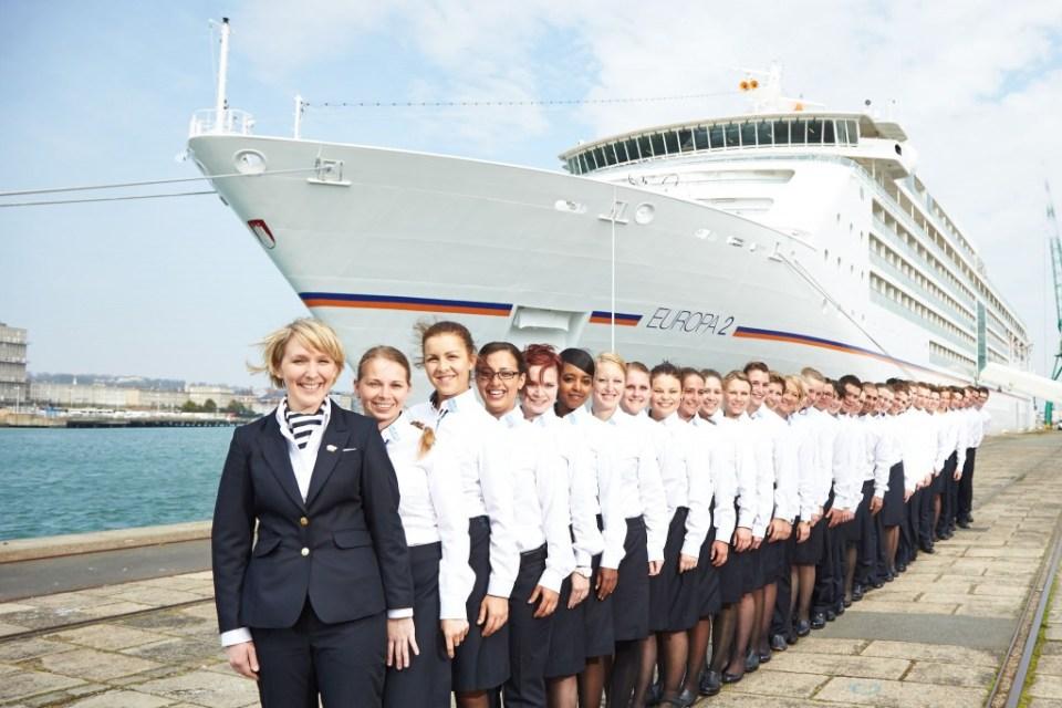 Hapag-Lloyd Kreuzfahrten, MS EUROPA 2, Crew