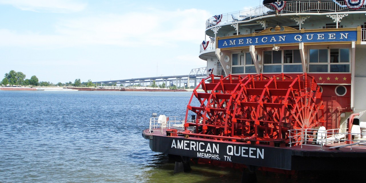 The American Queen: Ruling America's Rivers