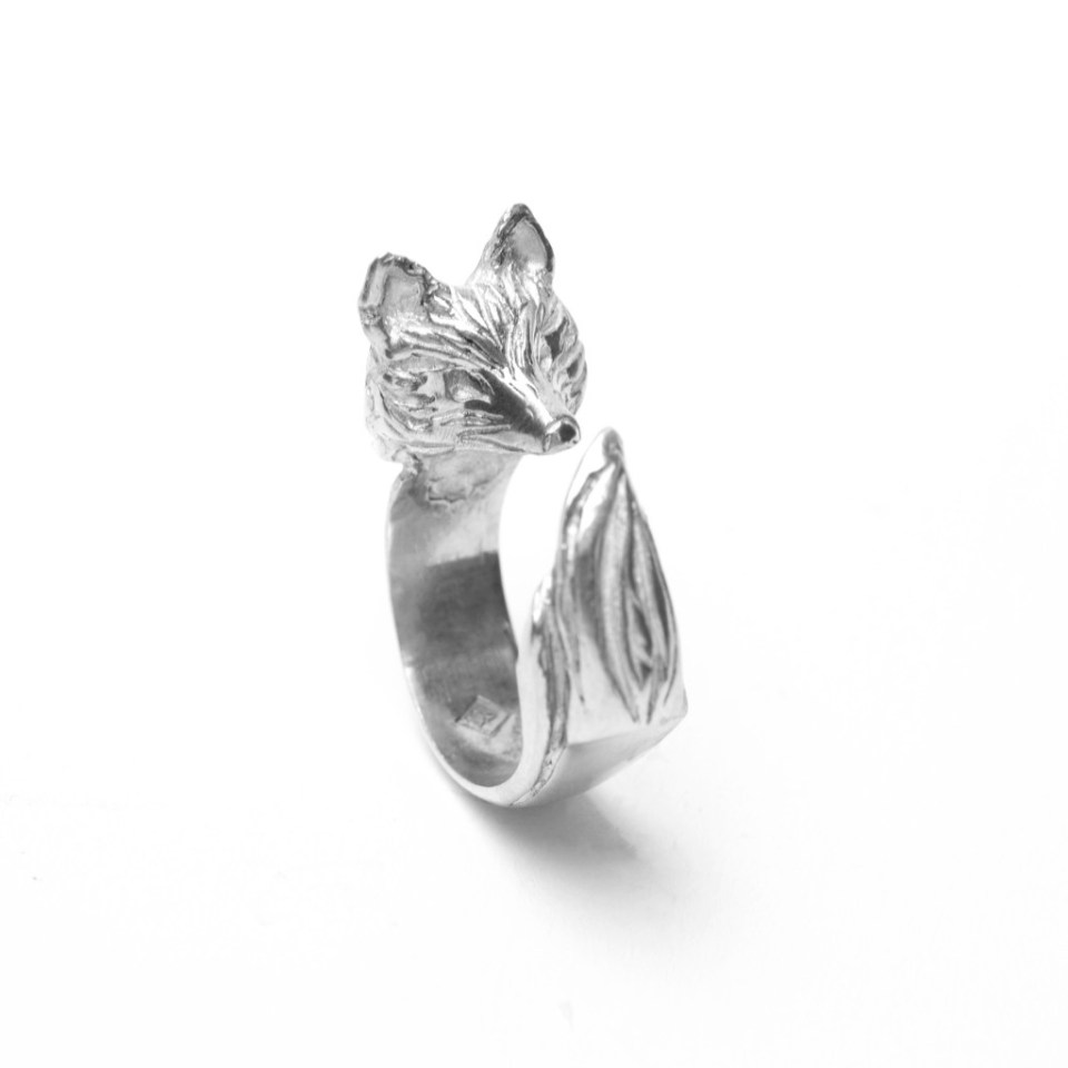 Angela Grace's delicate fox ring design