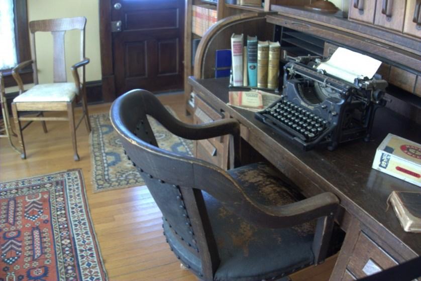 Hemingway 2 - Hemingway's desk & chair
