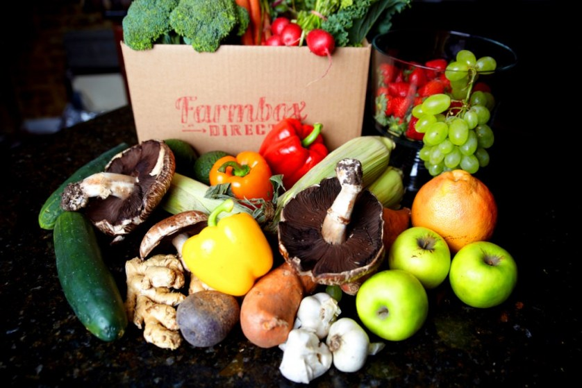 Farmbox Direct delivery box with fruits and vegetables