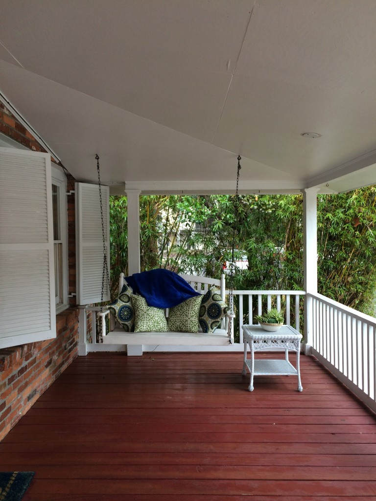 Front porch of the Royal Treatment Cottage.