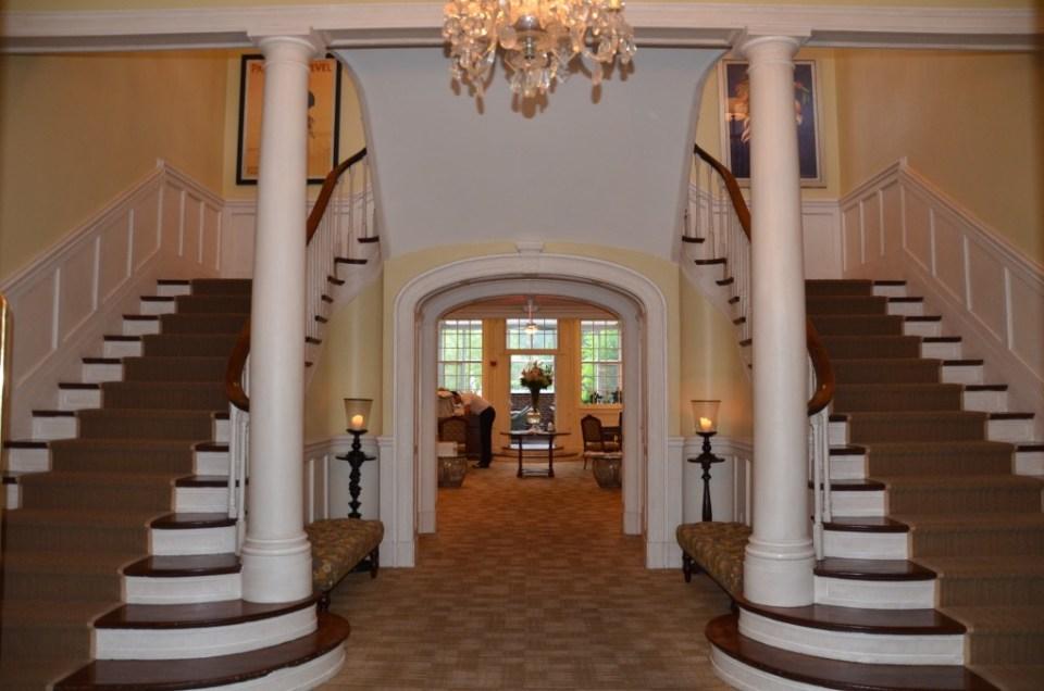 Foyer of the Vanderbilt Grace Hotel.
