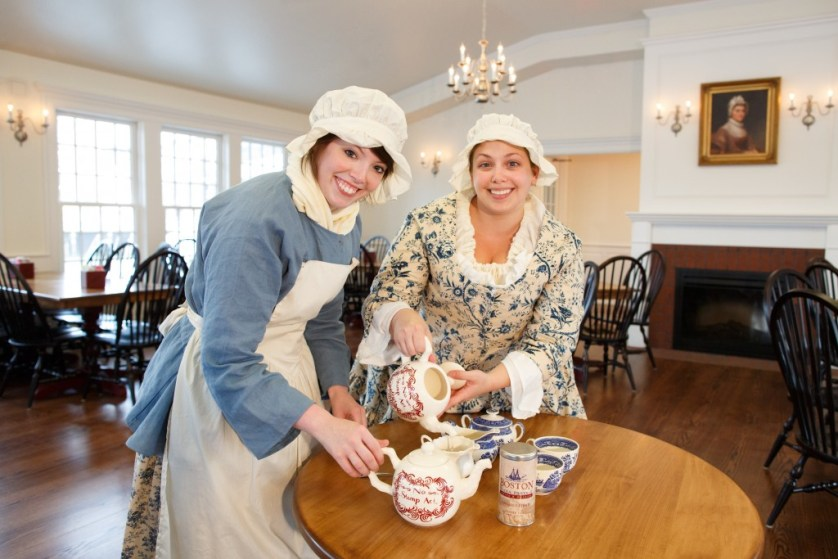BTSM.Patriot Women Serving Tea in Abigail's