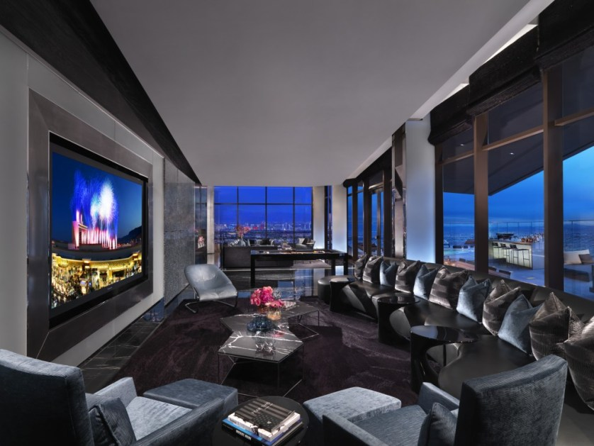 Living room of the 180 suite.