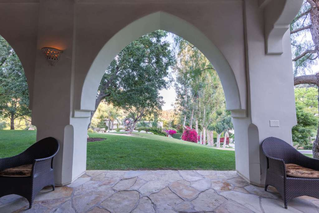 Cher's Originial Mansion