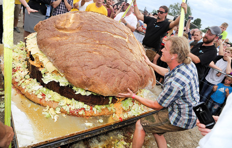 Guinness World Records Largest Burger