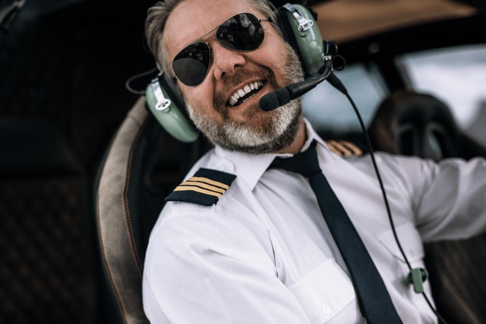 private jet etiquette tip the pilot