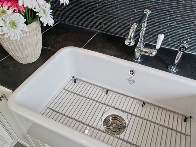 Shaws Shaker Sink 800. 800mm single bowl fireclay butler sink by Shaws of Darwen, England. Imported and distributed in Australia by Luxe by Design, Brisbane.