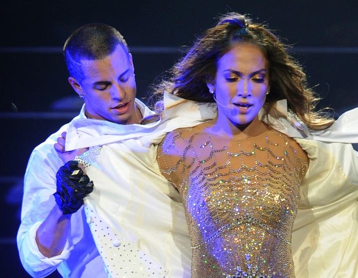 Jennifer Lopez and 09