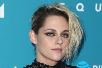 Kristen Jaymes Stewart Celebrities, who made disheveled hair as Signature Style 8