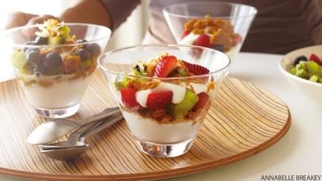 Kiwi and yogurt parfait with toasted coconut