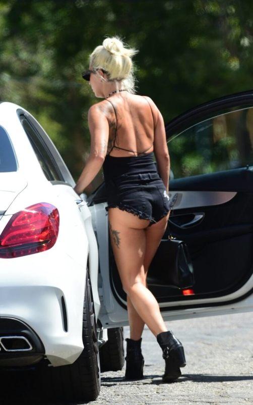 Lady Gaga naked female body