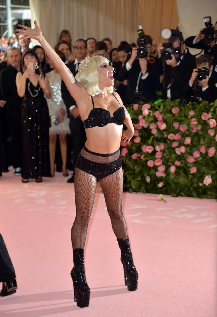 Lady Gaga naked body
