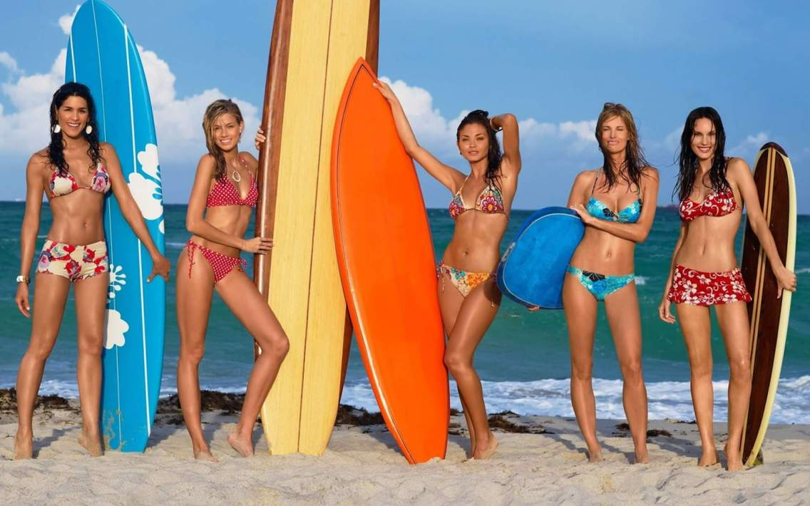 Caution! Girls and surfing 8