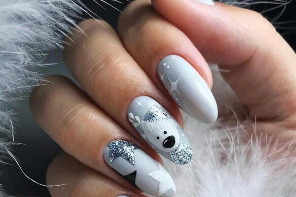 The most beautiful manicure of winter