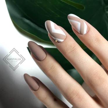 Summer Nails The Most beautiful Office manicure business style