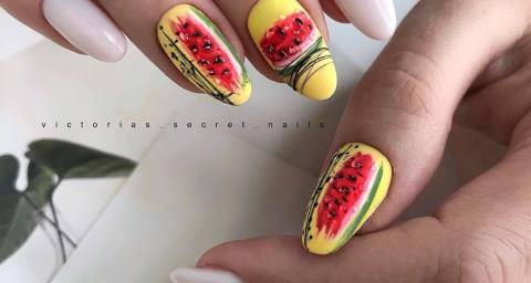 Abstract design fresh summer nail ideas