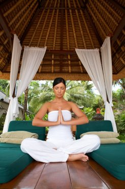 LuxeGetaways_Stock_Yoga