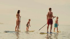 LuxeGetaways_Stock_Paddleboard