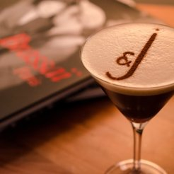 LuxeGetaways - Luxury Travel - Luxury Travel Magazine - Luxe Getaways - Luxury Lifestyle - Digital Travel Magazine - Travel Magazine - A Weekend in the Marais Area of Paris - Jules and Jim - France - Cocktail Midnight Expresso