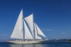 Kata-Rocks-Yacht_LuxeGetaways_12
