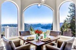 LuxeGetaways - Luxury Travel - Luxury Travel Magazine - Luxe Getaways - Luxury Lifestyle - Canada Luxury Resort - Villa Eyrie - Dining