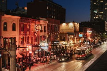 LuxeGetaways - Luxury Travel - Luxury Travel Magazine - Celebrate Canada - Canada Anniversary - Canada Travel Guide - Toronto Guide Vancouver Guide - Montreal Guide