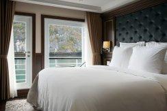 LuxeGetaways - Luxury Travel - Luxury Travel Magazine - Luxe Getaways - Luxury Lifestyle - Paradise Elegance Vietnam - River Cruise - Suite