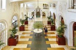 LuxeGetaways - Luxury Travel - Luxury Travel Magazine - Luxe Getaways - Luxury Lifestyle - Contest - Sweepstakes - Boca Resort Lobby