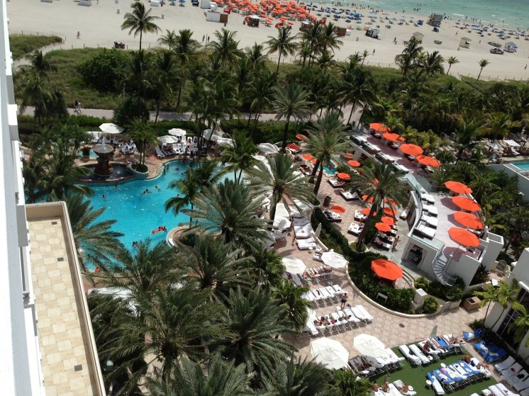 LuxeGetaways - Luxury Travel - Luxury Travel Magazine - Luxe Getaways - Luxury Lifestyle - Contest - Sweepstakes - Loews Miami South Beach Hotel - Miami Florida - SOAK - Miami Pool - South Beach