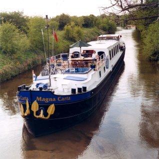 LuxeGetaways - Luxury Travel - Luxury Travel Magazine - Barge Cruise - Abercrombie and Kent - A&K - Geoffrey Kent - France Barge Cruises - Holland Barge Cruise - Magna Carta Barge