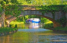 France; Canal du Midi; Enchanté barge
