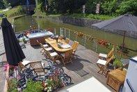 Panache Barge; Deck
