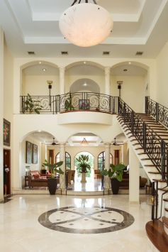 lobby-upper-suites