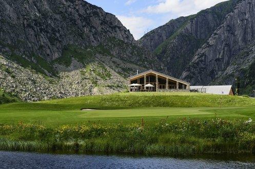 LuxeGetaways_Chedi-Andermatt_Switzerland_Slimming-Wellness-Retreat_Club-House-Golf
