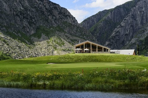 LuxeGetaways_Chedi-Andermatt_Switzerland_Slimming-Wellness-Retreat_Club-House-Golf