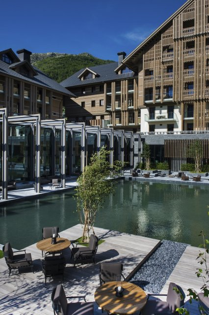 LuxeGetaways_Chedi-Andermatt_Switzerland_Slimming-Wellness-Retreat_Exterior-Photo-Courtyard