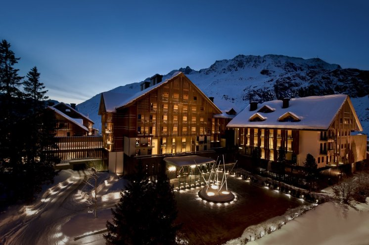 LuxeGetaways_Chedi-Andermatt_Switzerland_Slimming-Wellness-Retreat_Exterior-Photo_Luxury-Hotel