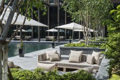 LuxeGetaways_Chedi-Andermatt_Switzerland_Slimming-Wellness-Retreat_Courtyard_Lounge