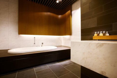 LuxeGetaways_First_Class-Lounge_Frankfurt _luxury-airport-lounges