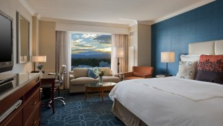 LuxeGetaways_JW-Marriott-Denver-Cherry-Point_Bedroom