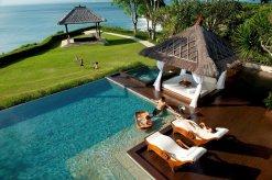 LuxeGetaways - Luxury Travel - Luxury Travel Magazine - Luxe Getaways - Luxury Lifestyle - Luxury Villa Rentals - Affluent Travel - The Villas at AYANA - Jimbaran - pool and yard