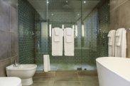 LuxeGetaways_GeeJam-Cocosan-Villa_Jamaica_bathroom