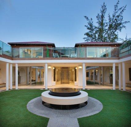 LuxeGetaways_Villa-Rockstar_Eden-Rock_Exterior_Luxury-Villa-Rentals