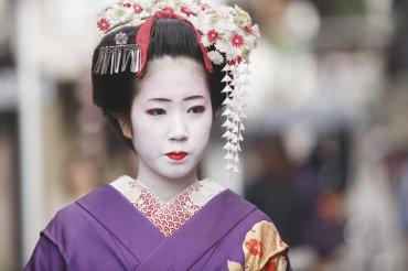 LuxeGetaways - Luxury Travel - Luxury Travel Magazine - Luxe Getaways - Luxury Lifestyle - Exotic Voyages - Luxury Travel Trips - Japan - geisha