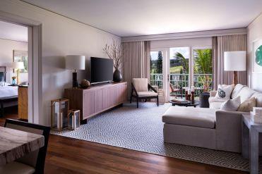 LuxeGetaways - Luxury Travel - Luxury Travel Magazine - Luxe Getaways - Luxury Lifestyle - The Ritz Carlton Kapalua - Maui - Hawaii - Luxury Hotel Maui - suite