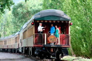 LuxeGetaways - Luxury Travel - Luxury Travel Magazine - Luxe Getaways - Luxury Lifestyle - Luxury Villa Rentals - Affluent Travel - Napa Valley Wine Train - Quattro Vino Tours - Napa Valley - California - Caboose