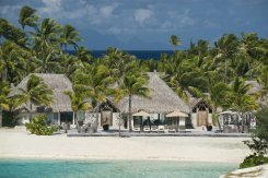 LuxeGetaways - Luxury Travel - Luxury Travel Magazine - Luxe Getaways - Luxury Lifestyle - St Regis Bora Bora - Starwood Bora Bora - Marriott Bora Bora - Overwater Villa - Royal Estate