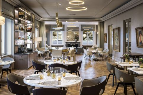LuxeGetaways - Luxury Travel - Luxury Travel Magazine - Luxe Getaways - Luxury Lifestyle - LuxeGetaways_Ritz-Carlton Geneva_Marriott-International_Hotel-De-La-Paix - Luxury Hotel - Hotel Opening - Europe Luxury Hotel - Swiss Hotel - Restaurant